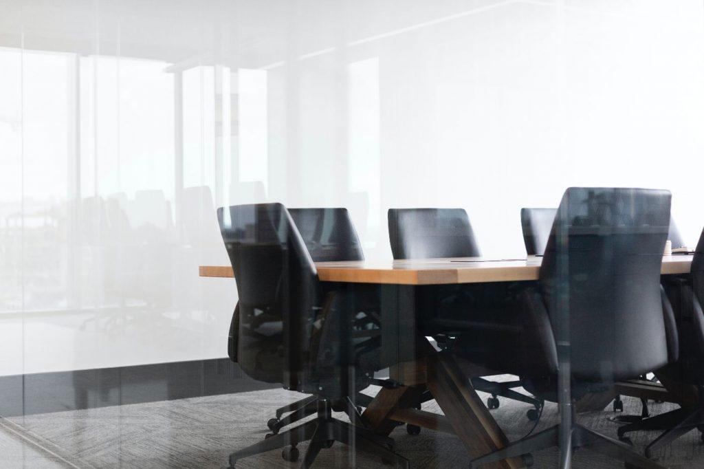 Oficina para reuniones de abogados de empresa