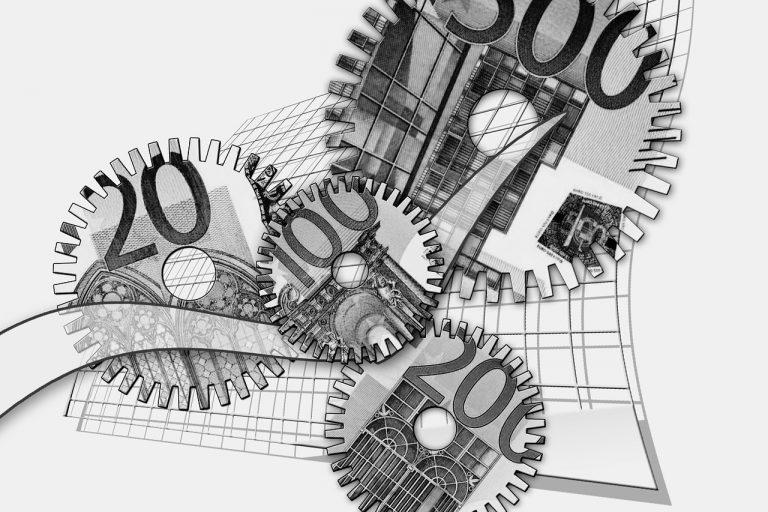 dinero en engranaje que representa a ChileCompras