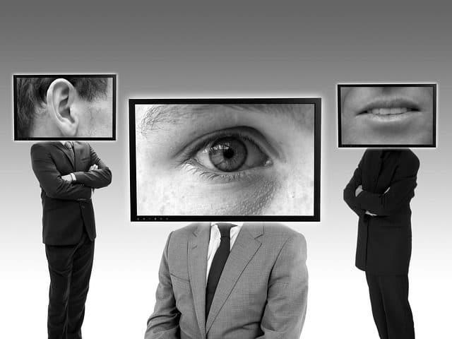 tres personas que deben mantener el acuerdo de confidencialidad